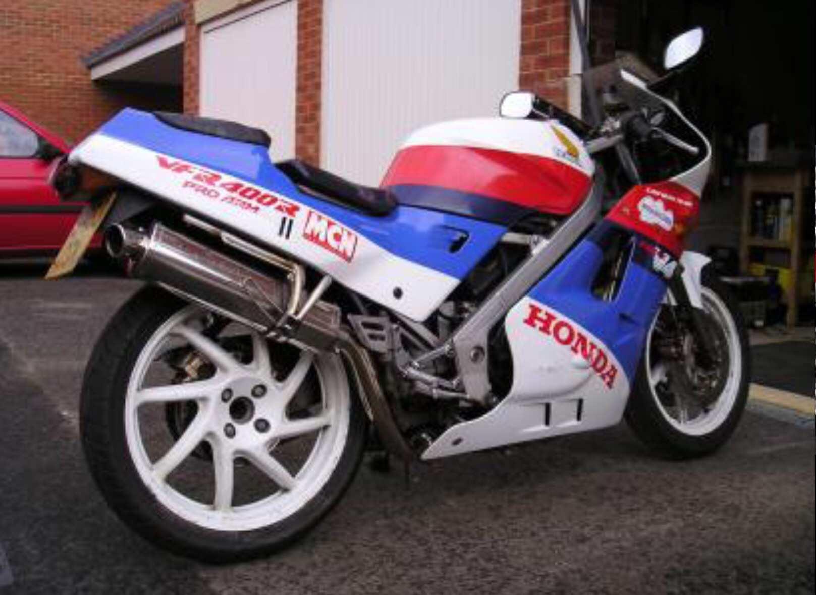 Honda VFR 400 nc24 #11